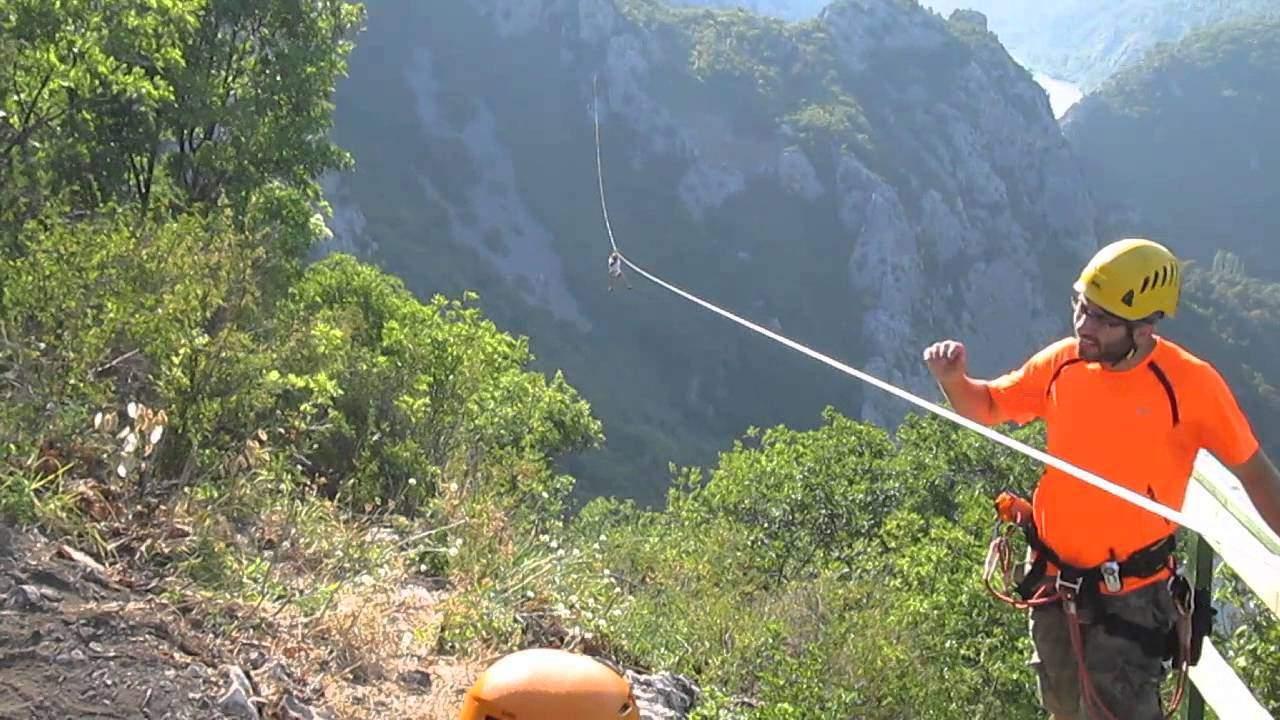 Zipline nad řekou Cetina