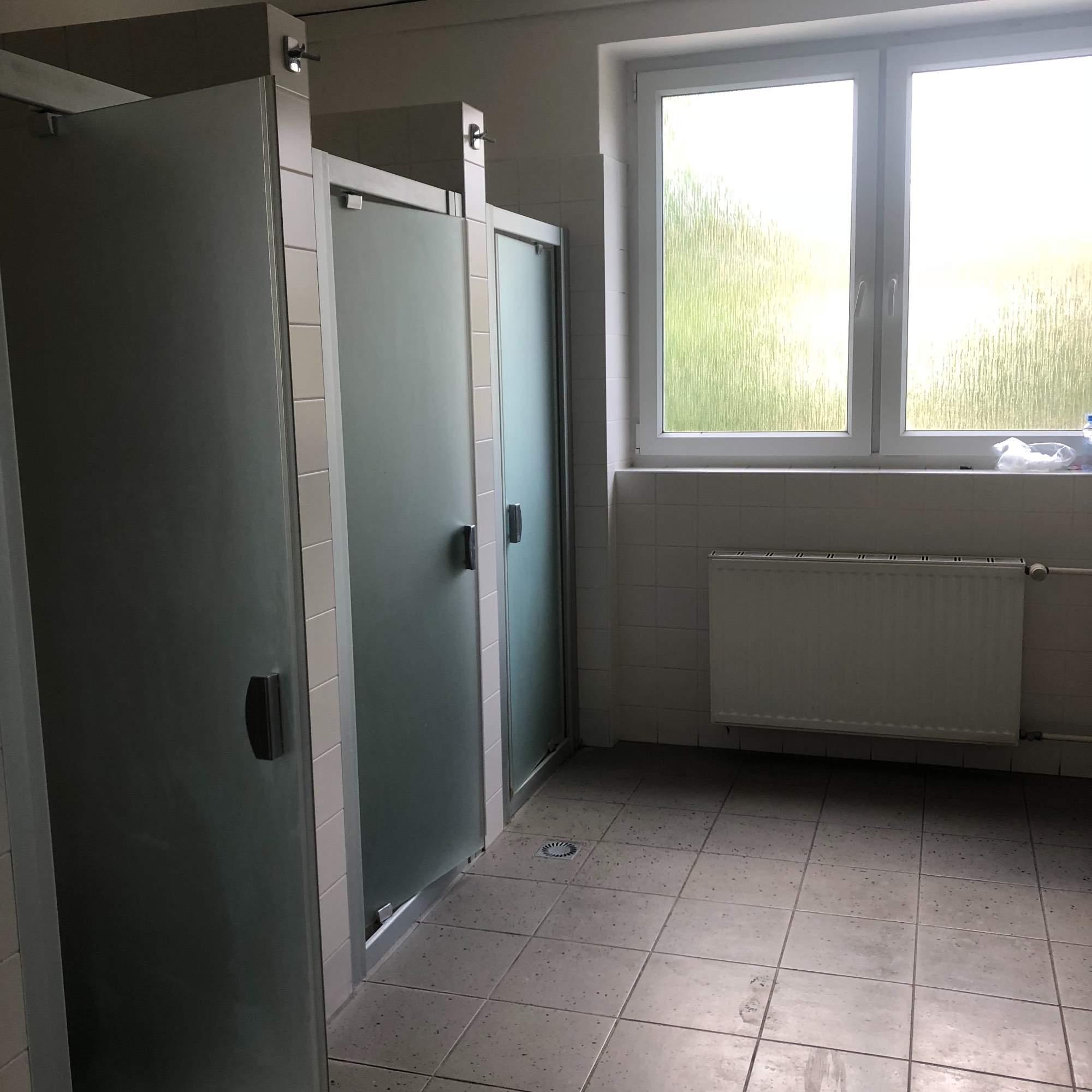 Sprchy koleje Mánesova