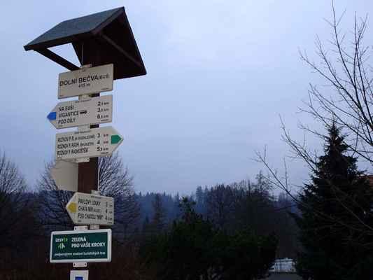 Dolní Bečva, obecní úřad, zanedbatelné zbytky sněhu byly i zde, které však už musely během dneška roztát