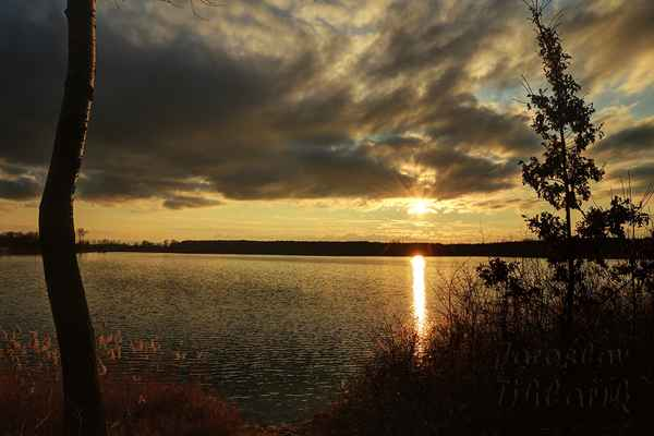 A na závěr mé oblíbené západovky, jezera v Ostrožské Nové Vsi.