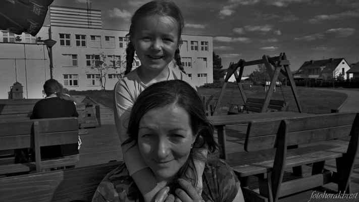 Dcerka Lenička a mladší vnučka Áďa  :-)