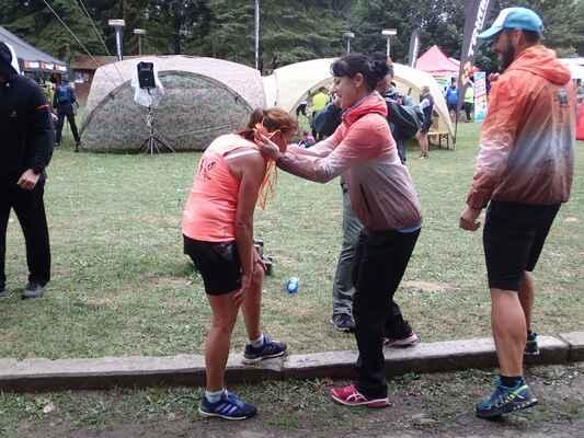 Předávání medaile.
