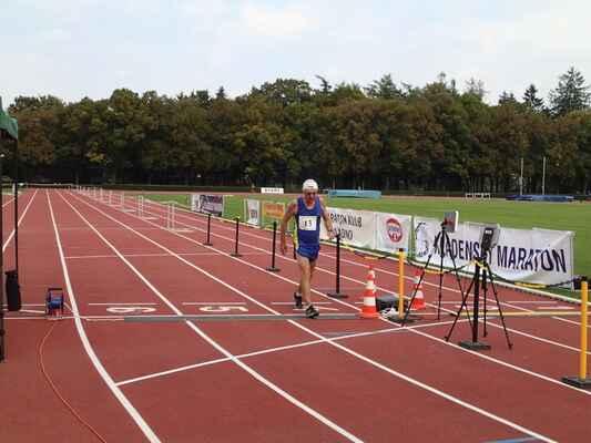 Posledních 400 m pro Bena