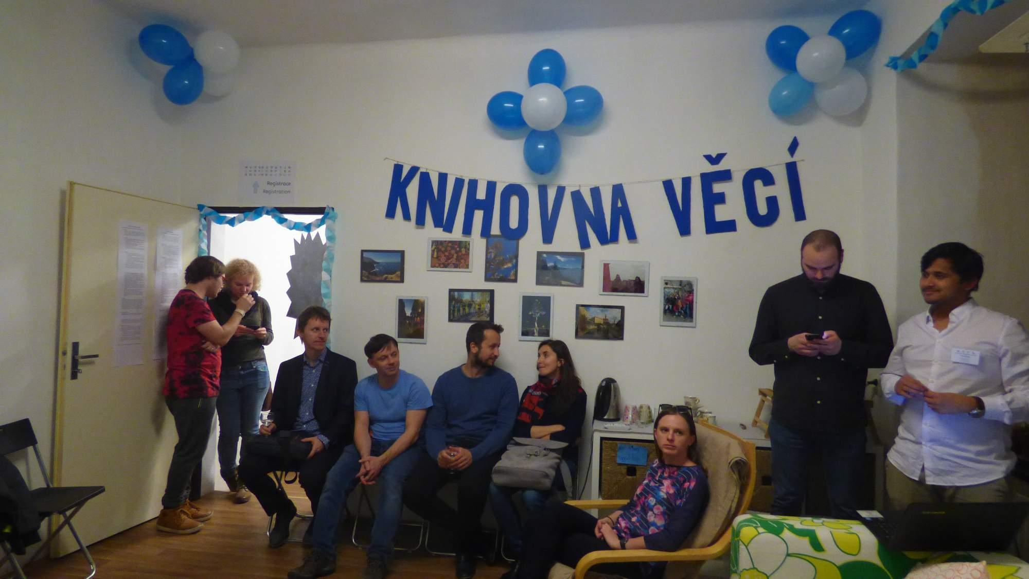 Knihovna věcí při slavnostním zahájení, Foto: Tereza Ryšanová