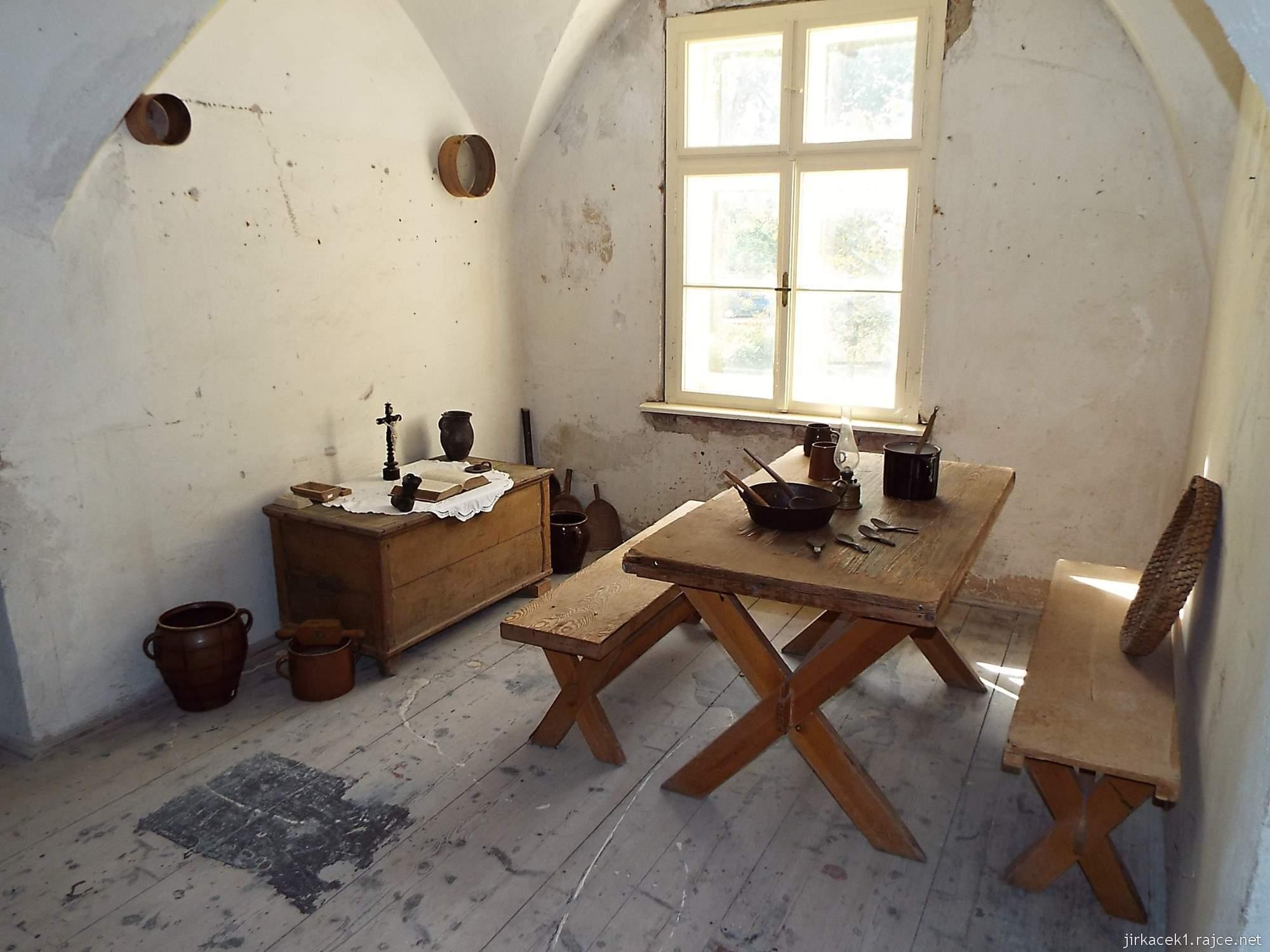 zámek Miroslav 23 - dobově zařízený žalářníkův byt