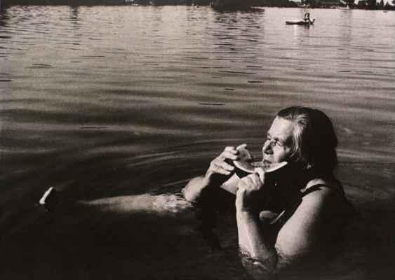 11. Štreit Jindřich  bez názvu, černobílá fotografie, 32x45cm; 1993; 2 000 Kč