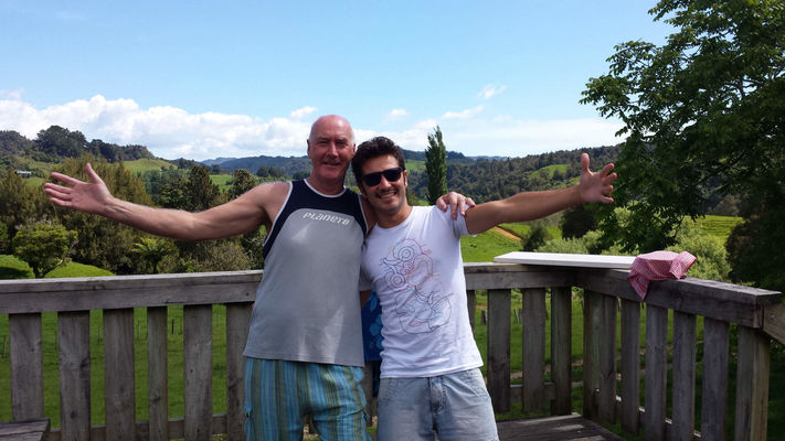prejezd do Waitamo - tanecni kamarad Stan, ktery mel drive ceskou pritelkyni, a Leo z Brazilie, i kdyz srdcem novozelandan Waitamo je misto plne krasnych velkych jeskyni