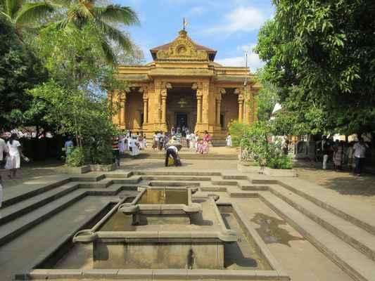 datování na Srí Lance colombo datování poznávací značky uk
