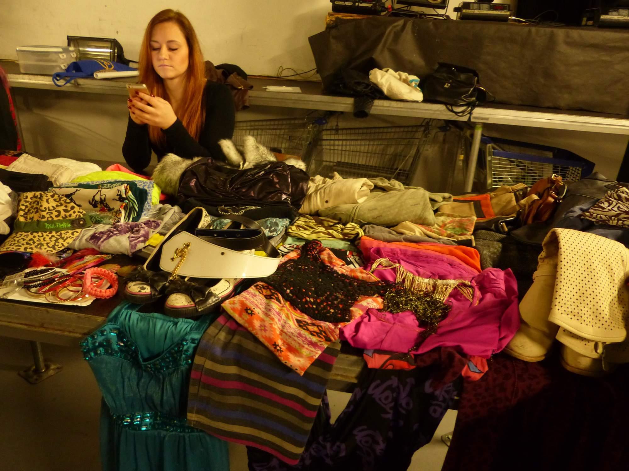 Spousta prodejců přinesla nevyužité oblečení či boty. Foto Jana Blahošová