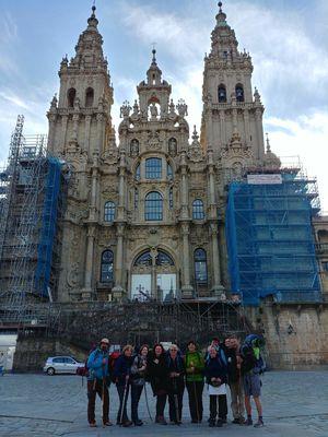 Před katedrálou v Santiagu - Na konci sedmiletého putování do Santiaga a před poutí na Konec světa a na Muxiu
