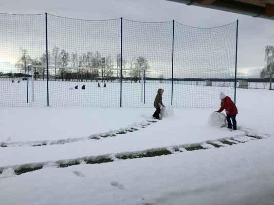 Sněžní sochaři 4.,5. třída ZŠ
