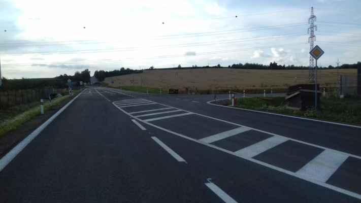 Odbočení k dálnici je poměrně úzké...