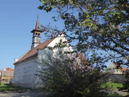 Barokní kaple sv. Prokopa na návsi