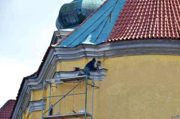 Peruc, sv. Petr a Pavel - Na zajištění statiky kostela se pracuje.