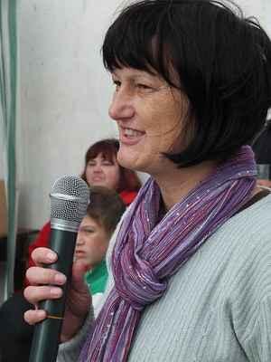 Ing. Radomíra Měkutová zahajuje Sousedský jarmark.