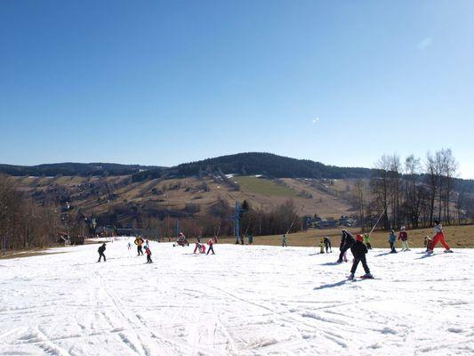 Užíváme si jarní lyžování