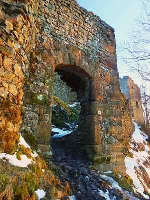 vstup do hradu...