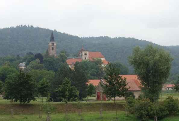 Sázava - ke klášteru jsme nezajížděly, už jsme tam všechny byly. A nejednou.