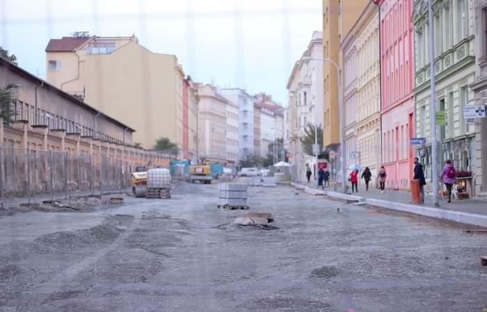 Rekonstrukcí prochází vodovody, kanalizace a celý povrch ulice