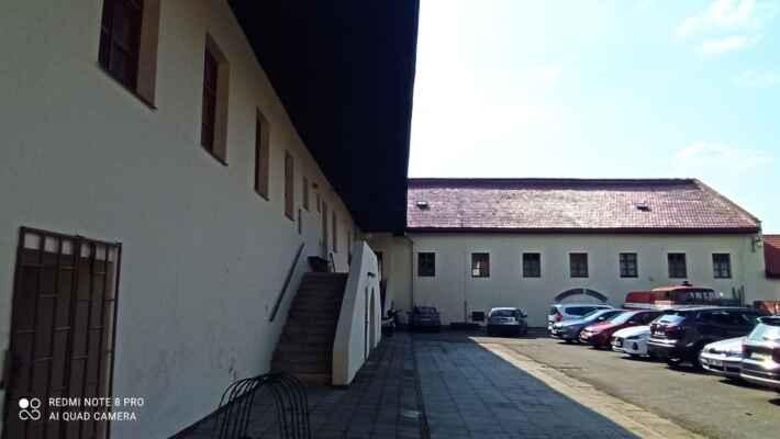 Hasičské muzeum Dřevohostice - Hasičské muzeum v Dřevohosticích vzniklo v roce 2009. V současné době je v expozici muzea vystavena historická hasičská technika okolních sborů dobrovolných hasičů.